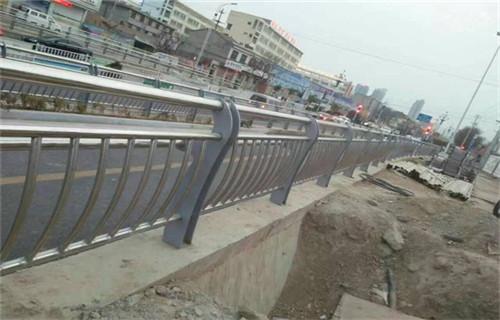 温州强度高的304复合管景观道路护栏产品详情