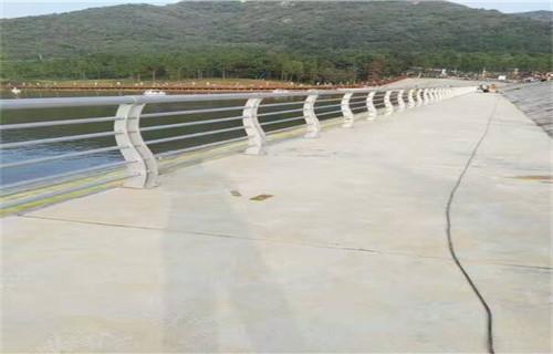 温州强度高的碳素钢道路防撞护栏厂家联系方式