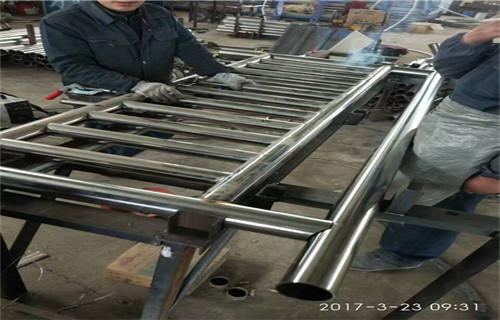 温州耐腐蚀的不锈钢桥梁防护栏杆多少钱一米