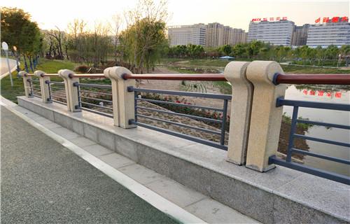 徐汇碳钢喷塑立柱质优价廉