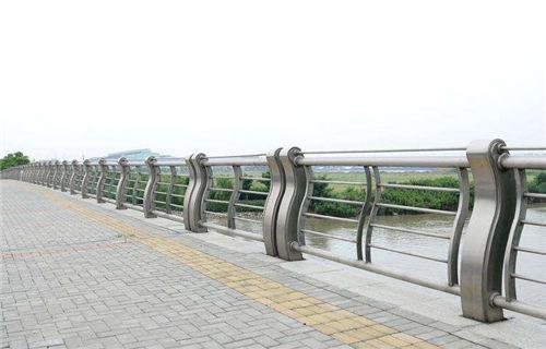 厦门河道桥梁护栏美观牢固