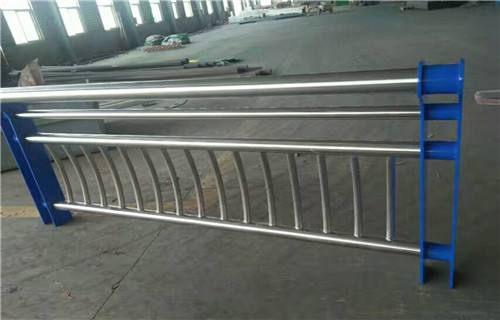 池州复合不锈钢管护栏坚固耐用