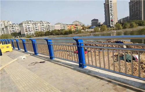 四川不锈钢工程立柱哪里有卖