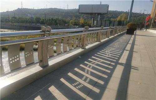 甘孜不锈钢碳素钢复合管桥梁护栏公司地址