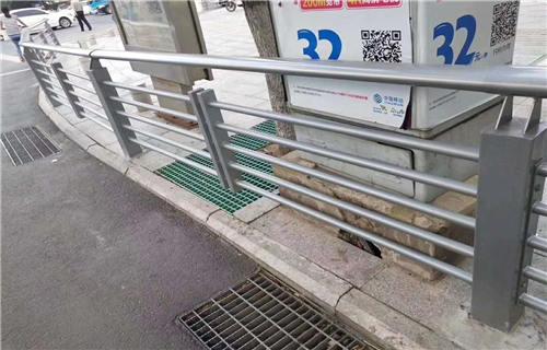 聊城道路交通隔离护栏价格公道