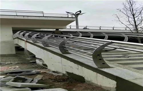 咸宁304不锈钢复合管护栏供求息