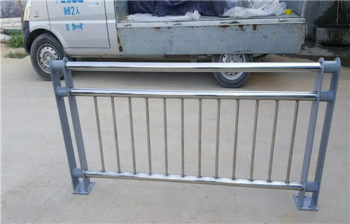 大理201不锈钢复合管护栏厂家直销价格