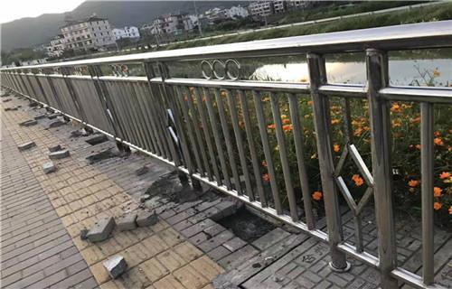 温州201不锈钢复合管栏杆特价出售