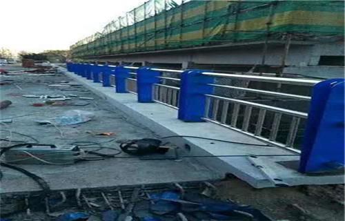 湖南外敷不锈钢复合管护栏厂家直销