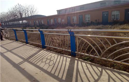 定西不锈钢复合管桥梁护栏厂家发货