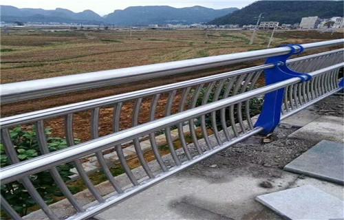 镇原不锈钢复合管桥梁护栏厂家发货