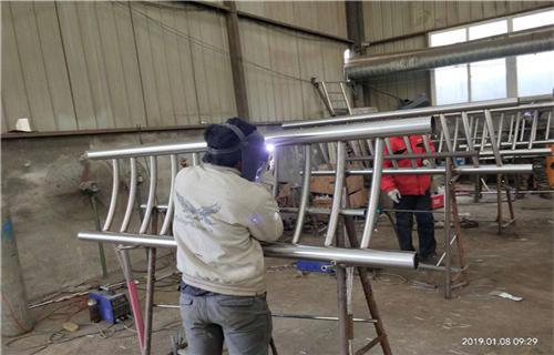 湖南89*3不锈钢复合管护栏厂家一米报价